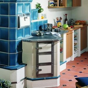 Nowoczesne kuchnie zbudowane z kafli, które łączą w sobie tradycyjny styl ze współczesną użytecznością, zdobywają coraz więcej wielbicieli głównie w niemieckojęzycznych krajach Europy (fot. G&R KERAMIK)