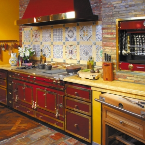 Zróżnicowana kolorystyka pieców La Cornue daje duże możliwości aranżacyjne