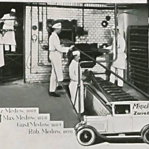 Wnętrze przedwojennej szczecińskiej piekarni  - reprodukcja z Das Buch der alten Firmen der Stadt und des handelskammerbezirkes Stettin, 1931 r. - zasoby Archiwum Państwowego w Szczecinie