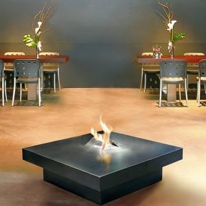 Twórcy współczesnych kominków często nawiązują do irori. fot. Focus