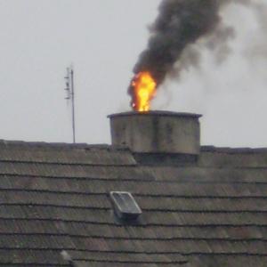 Pożar sadzy w kominie. fot. Jotul