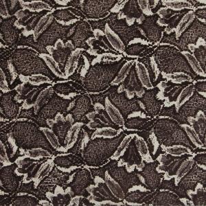 Dekoracja wykonana brązową angobą przy użyciu szablonu fot. Kafel-Art