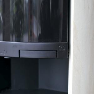 Wyjątkową elegancję podkreśla zintegrowany z obudową uchwyt drzwiowy. fot. Spartherm