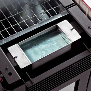 Zamontowany w urządzeniu nawilżacz powietrza zapobiega wysuszeniu powietrza w pomieszczeniu. (fot. Koperfam)