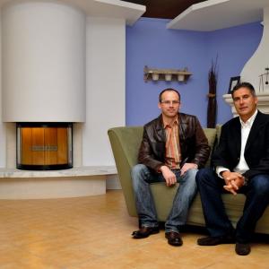 Redaktor naczelny magazynu Kominek - Paweł Kralka i Dominique Combeau - prezes Chazelles /fot. Kominek