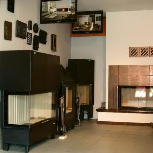 Salon z tradycjami - KOMINKI AKA
