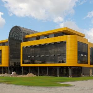 W Gorzowie Wlkp budowany jest nowy biurowiec firmy Sartherm, który będzie oddany do użytku jesienią.