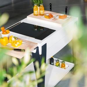 Mobicook Duo Grill oferuje, oprócz płyty grillowej, deskę do krojenia, która zwiększa przestrzeń do pracy, fot. Indu+