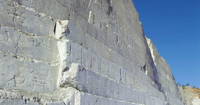 quarry-wall-from-side.jpg