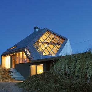 Dom na wydmie - The Dune House (NL)