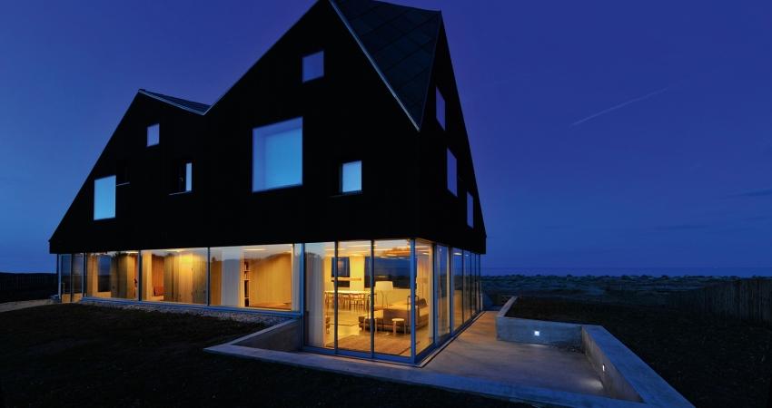 dune-house-exteriornight-(3).jpg